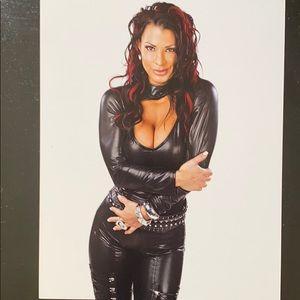 Autographed photo WWE Victoria